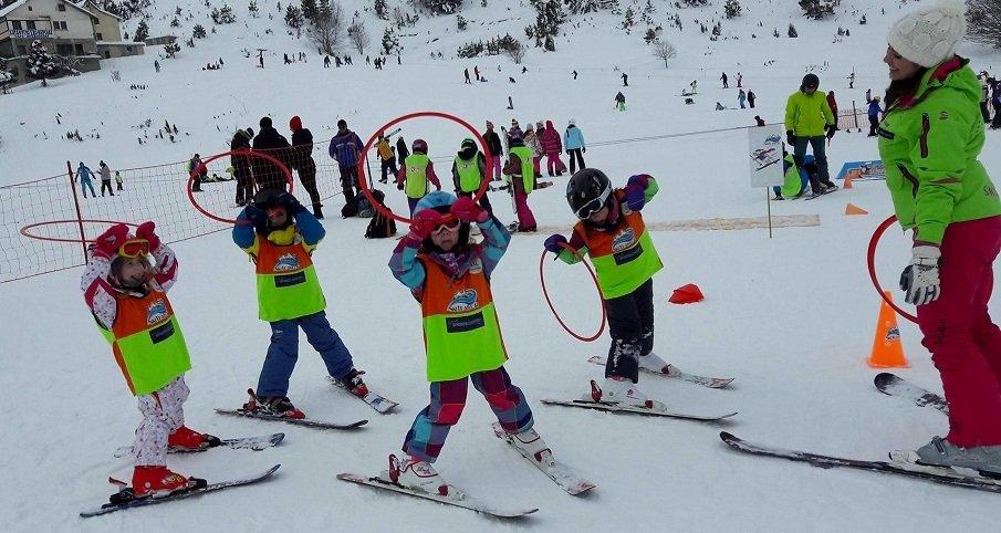 Slide-skitem.gr-ski-academy-pisoderi-greece-akadimia-2014-960x450-04